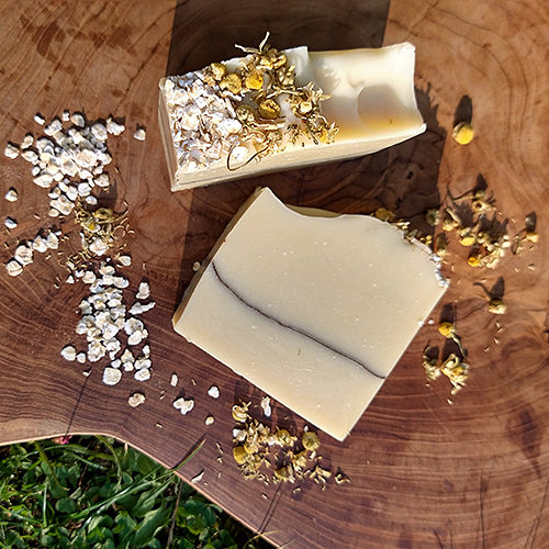 natural handmade colloidal oatmeal chamomile unscented cold process soap savon à l'avoine colloïdale