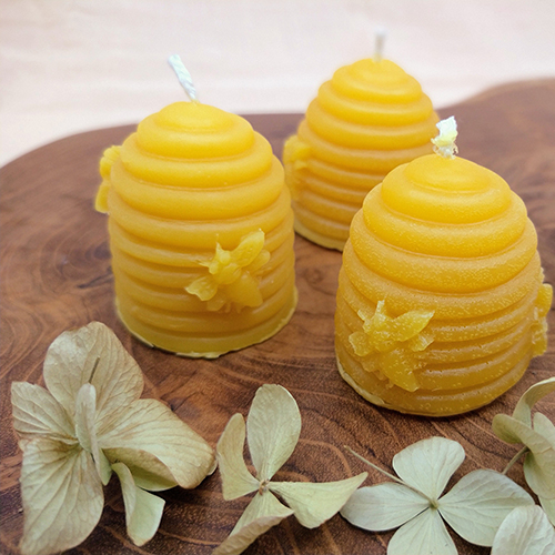 beeswax hand-poured candle le savon sauvage